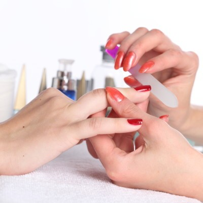 Dr. Oz talked to Bevy Smith and some of the hottest YouTube beauty experts to talk about things like how to get marble nails at home and how to get rid of circles under eyes.