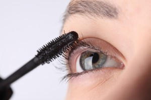 how to cure eyelashes falling out