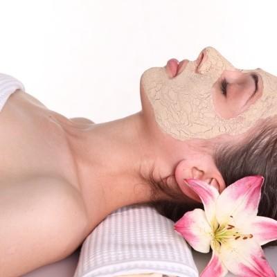 Dr Oz Anti-Aging Remedies: Sake Facial, Club Soda Hair Rinse & Grape Scrub