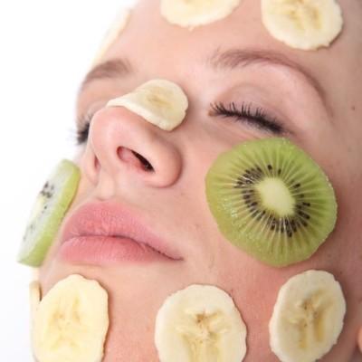 Dr Oz: Papaya Smoothie & Salad, MAC Fast Response Under Eye Cream