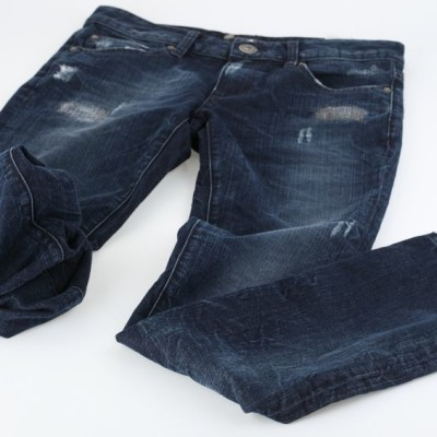 Dr. Oz talked about 99 ways to look better in jeans on his show today, including choosing darker colors for people with fat all over and choosing high rise jeans for people with big bellies.