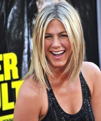 Ellen June 4 2012 Recap: Jennifer Aniston & The Skating Aratas