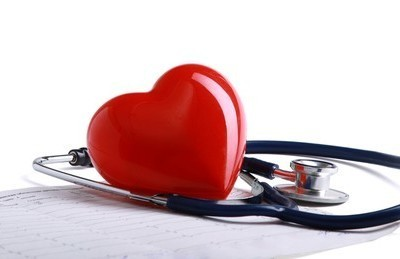 Dr. Oz talked about how to know when heart palpitations are serious on his show November 6, 2014. (S_L / Shutterstock.com)