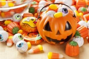 Halloween Candy Buy Back & 'Modern Family' Julie Bowen Pacemaker