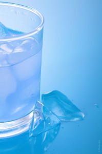 Dr Oz: Drinking Warm Tap Water Ages You & Texting Causes Hunchback