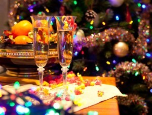 New Year's Eve Ball Drops, Holiday Party Fashion & Worst Holiday Gifts