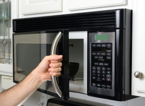 Dr Oz talked about some unusual uses for microwaves on his show April 7, 2015. (Sean Pavone / Shutterstock.com)