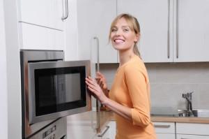 Dr Oz: Salt Sugar Fat Addiction & Is It Safe To Microwave Plastic?